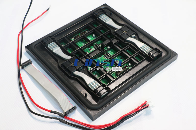 P4.81mm frontal Service LED screen panel