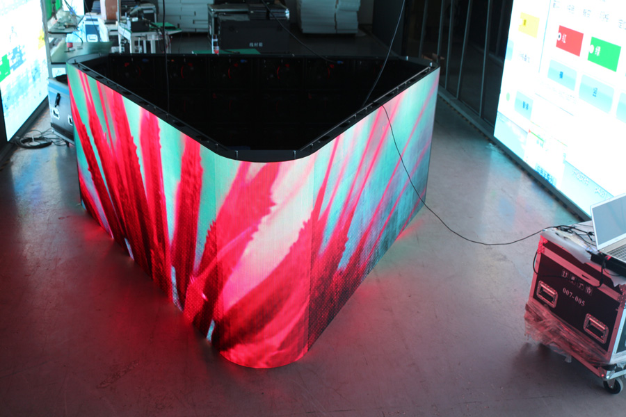 threee sided led video wall